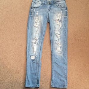 Ripped denim low waisted jeans